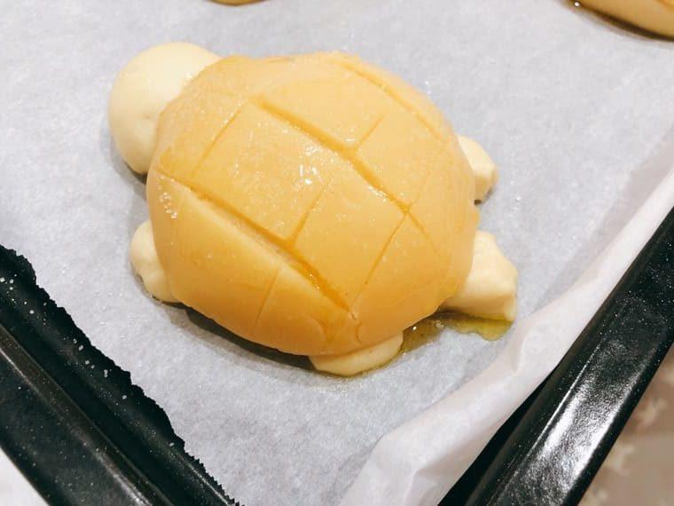 カメのメロンパン